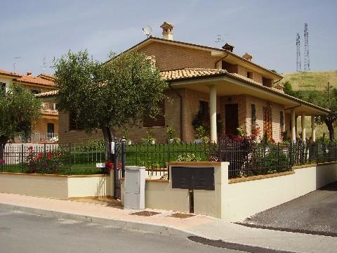 Complesso venezia for Negozio di garage con alloggi